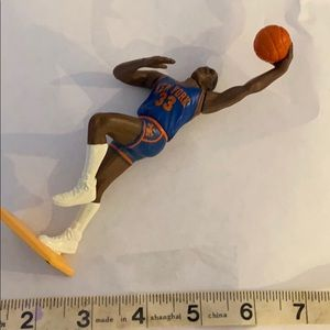 Knicks Patrick Ewing #33 action figure